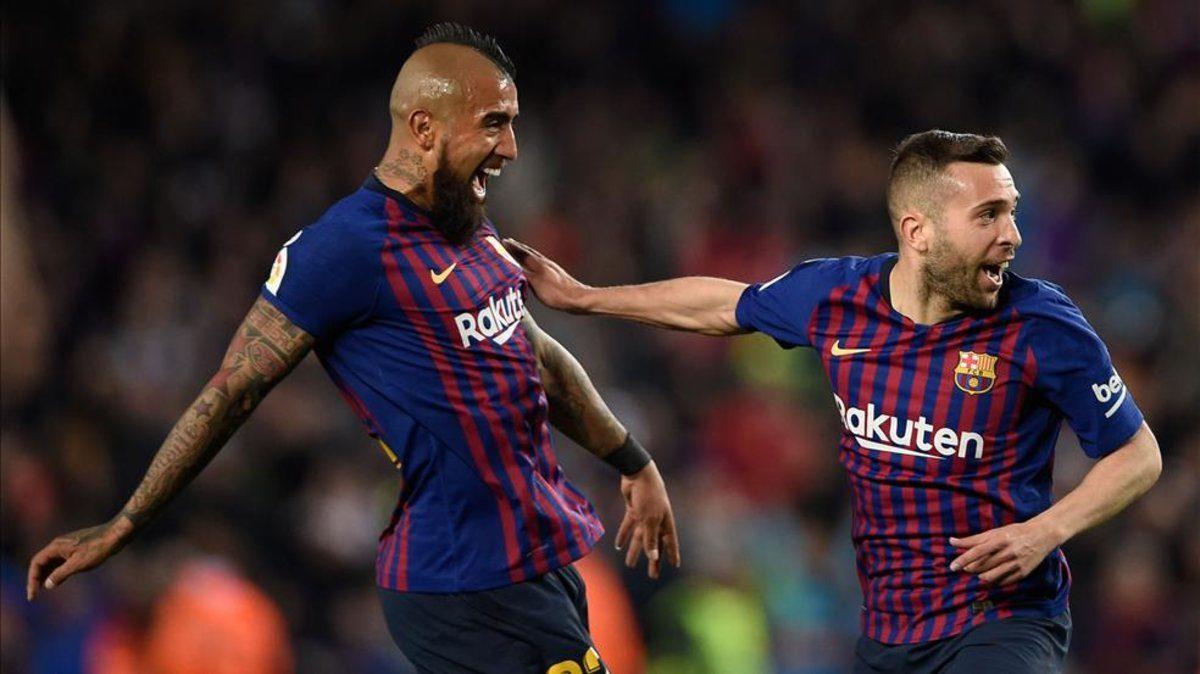 Betah di Barcelona, Vidal Tolak Tawaran Besar dari Klub Tiongkok
